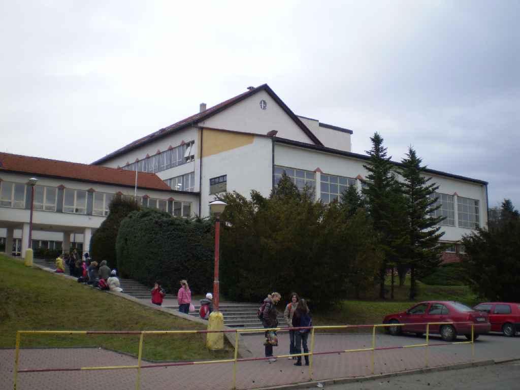 236454bdc9b Budova 2008